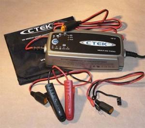 Автомобильное мультизарядное устройство 'CTEK'